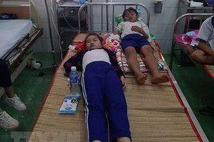 45 học sinh tiểu học Cà Mau nhập viện sau khi súc miệng dung dịch Fluor