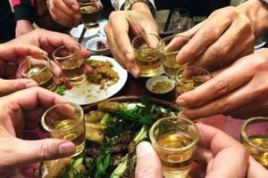 5 nguyên tắc tránh ngộ độc rượu trong ngày Tết
