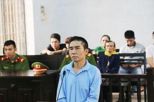 Níu kéo tình cảm không thành, chồng dùng dao giết vợ tại tòa