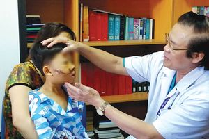 Báo động trẻ chấn thương sọ não do không đội mũ bảo hiểm