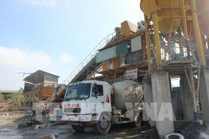 Hệ lụy từ những trạm trộn bê tông không phép ở Hà Nội