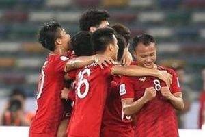 Huyền thoại bóng đá Iran 'chê' Việt Nam yếu: 'Chúng ta dễ dàng đánh bại'