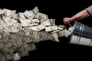 Nga 'xả kho' 100 tỷ USD để chuyển sang ngoại tệ khác