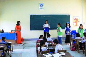Hơn 1.000 HS Quảng Ngãi giao lưu cùng đoàn sinh viên ĐH Chung Ang