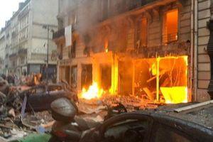 Vụ nổ cực lớn ở trung tâm Paris: Chưa phát hiện người Việt thương vong