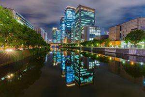 Ngắm Nhật Bản huyền ảo trong đêm với muôn màu ánh sáng