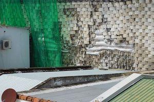 Diễn biến vụ bức tường nguy cơ đổ tại Nha Trang: Chủ tịch tỉnh yêu cầu cưỡng chế phá dỡ
