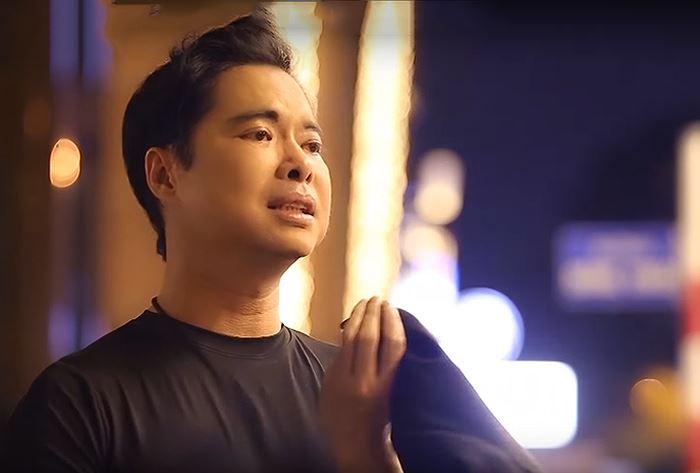 Showbiz 12/1: Tiết lộ cát-xê 'khủng' của ca sĩ Ngọc Sơn