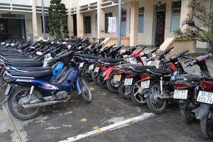 Tiền Giang: Phát hiện tiệm cầm đồ cầm gần 100 xe máy không chính chủ