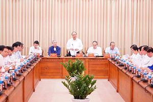 Thủ tướng Chính phủ Nguyễn Xuân Phúc làm việc tại TP Hồ Chí Minh