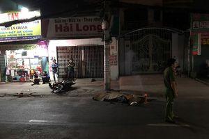 Cán chết người đi xe máy, tài xế container còn đánh võng bỏ trốn