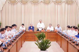 Thủ tướng: Chúng ta cùng 'xắn tay áo' với TPHCM để tiến bước mạnh mẽ!