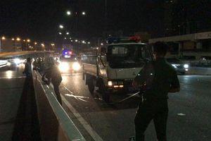 Thanh niên tử vong vì chạy xe máy vào làn ô tô trên cầu Sài Gòn