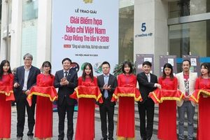 Giải Biếm họa báo chí Việt Nam – Cúp Rồng tre lần V:30% tác phẩm dự thi chọn đề tài văn hóa ứng xử trên mạng xã hội