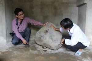 Phát hiện chiếc Tù Và bằng đá trên thảo nguyên Bùi Hui