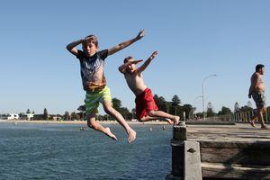 Nắng nóng trên 40 độ trở lại 'thiêu đốt' Australia sau Giáng sinh