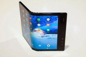 Smartphone màn hình gập - cách mạng thiết kế hay mánh lới quảng cáo?
