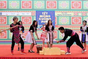 Mang Tết của đồng bào dân tộc Mông đến với Thủ đô Hà Nội
