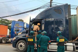 Phát hiện tài xế, phụ xe container dương tính với chất ma túy