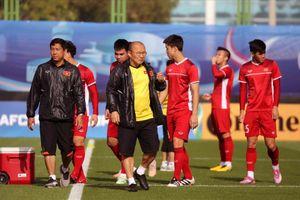 HLV Park Hang Seo 'lên dây cót' tinh thần cầu thủ, chuẩn bị cho trận quyết định với Yemen