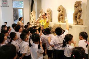 Những tiết học lịch sử lý thú ở bảo tàng