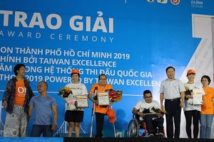 Thứ trưởng Lê Tấn Dũng tham dự khai mạc giải Marathon 2019