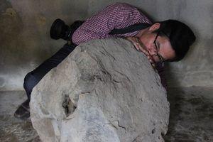 Phát hiện tù và bằng đá nặng 200 kg trên thảo nguyên Bùi Hui