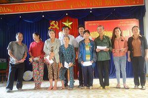 Báo Đầu tư và Quỹ Thiện Tâm cùng người nghèo Quế Sơn đón Tết