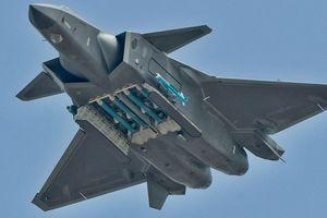 J-20 Trung Quốc và F-35 Nhật Bản chuẩn bị có cuộc đối đầu lịch sử: Ai sẽ thắng?