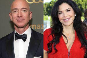 Tỷ phú giàu nhất thế giới Jeff Bezos vẫn ở bên người tình sau khi lộ tin nhắn sex