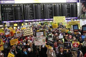 Máy bay VN đến Frankfurt không thể nối chuyến do đình công tại sân bay