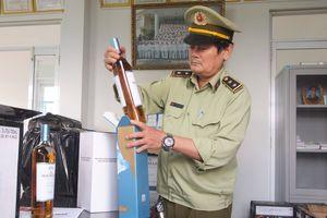 Đà Nẵng: Bắt giữ 600 chai rượu lậu đang trên đường vận chuyển