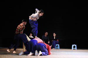 Đạo diễn Nhật Bản Hiroyuky Muneshige: 'Tôi đã khóc khi dựng Sự sống'