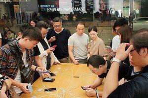 Trong cơn 'nguy khốn', Apple nói đến thị trường Việt Nam như 'mỏ vàng'