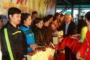 Phó Chủ tịch Quốc hội Uông Chu Lưu vui Tết Sum vầy cùng người lao động