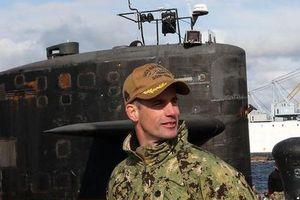 Chỉ huy tàu ngầm Mỹ mất chức vì 'vui vẻ' với 10 gái gọi