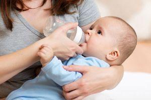 Đã có bé sơ sinh tử vong vì ngộ độc nước, lời cảnh báo như 'nước đổ lá môn'
