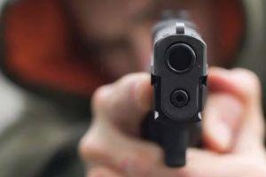 Bắt đối tượng nghi dùng súng uy hiếp nhân viên ngân hàng cướp tiền