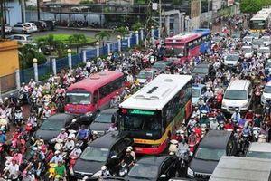Làm nhà nhanh hơn làm đường, Hà Nội tắc càng thêm tắc