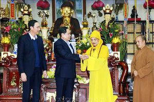 Chủ tịch Ủy ban T.Ư MTTQ Việt Nam thăm, chúc Đức Pháp chủ GHPGVN
