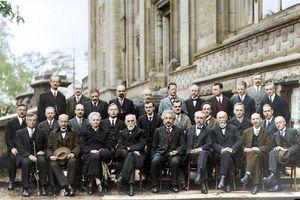Bức ảnh nhiều 'não' nhất mọi thời đại: Nguyên một hội bạn gia thế khủng toàn thiên tài IQ trên 180