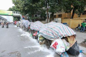 Nguyên nhân rác thải ùn tắc không được vận chuyển ở nội đô Hà Nội?