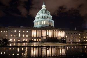 Chính phủ Mỹ đóng cửa: Lợi chưa thấy, hại đã rõ!