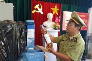 Đà Nẵng: Bắt xe tải chở hàng trăm chai rượu ngoại nhập lậu