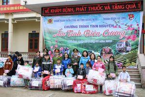 250 suất quà cho chương trình 'Xuân tình nguyện' tại Móng Cái, Đầm Hà, Hoành Bồ