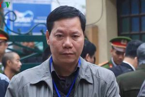Vụ chạy thận làm chết người: Xét hỏi cựu giám đốc bệnh viện Hòa Bình