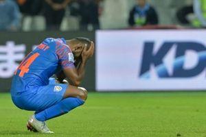 Thủng lưới phút bù giờ, Ấn Độ bị loại cay đắng khỏi Asian Cup 2019