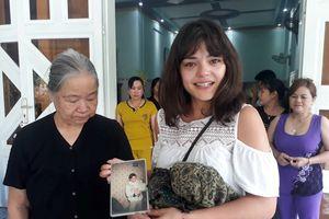 Cô gái Pháp gặp nhà nội trong hành trình tìm cha thất lạc 26 năm