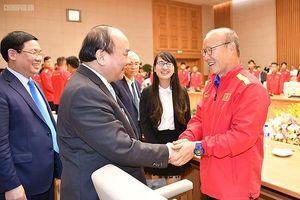Thủ tướng: Mong đội tuyển Việt Nam thi đấu hết mình, giành thắng lợi