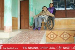 Người khuyết tật Hà Tĩnh mong có thêm đường tiếp cận để dễ đi lại